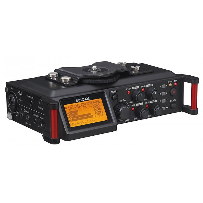 Портативный аудио рекордер TASCAM DR-70D