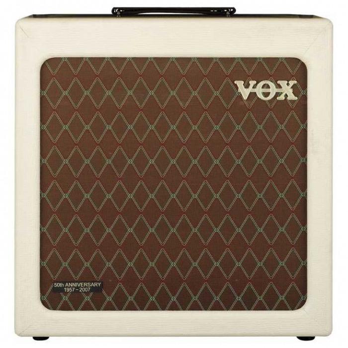 Гитарный кабинет VOX V112HTV