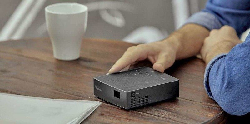 Автоотключающийся проектор LV130, помещающийся в карман – новинка от Optoma