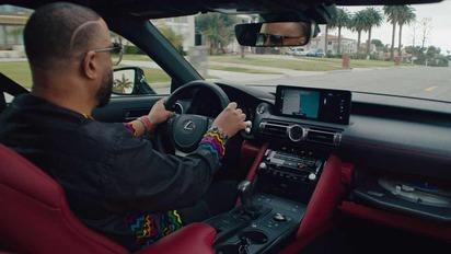 Виниловый проигрыватель в машине – будни владельцев Lexus IS Wax Edition