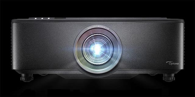 Новый компактный проектор ProScene ZU720T от Optoma с яркостью 7500 люмен